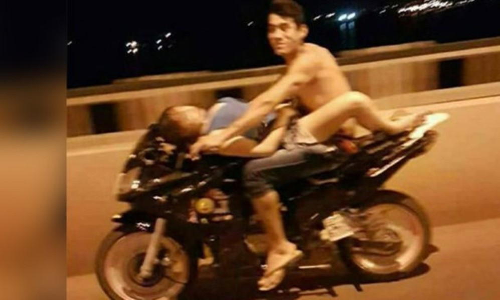 Making Love on Motorbike (1)